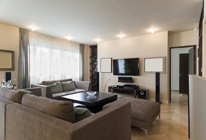 Echtes Wohnzimmer Mit Heimkinosystem