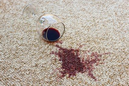 Rotwein Auf Teppichboden